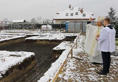Budowa koscioła poswięcenie prac przy fundamentach